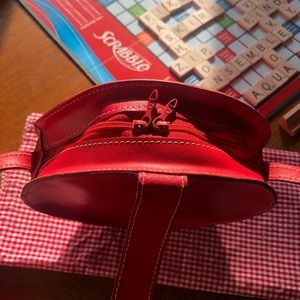 mundi Bags - Vintage Mundi Leather Round Crossbody Bag